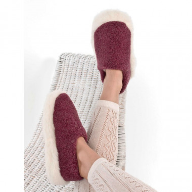 Alwero Red Wool Siberian Slippers