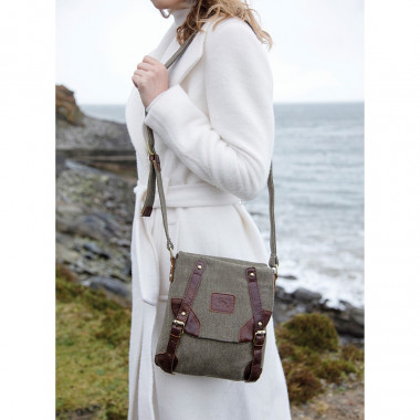 Aran Woolen Mills Green Tweed Bag and Leather